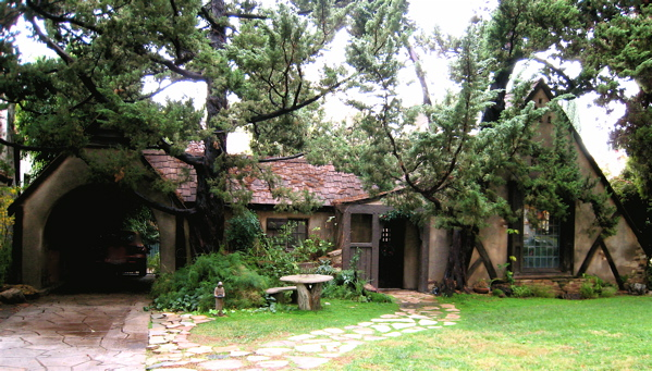 The witch 39 s cottage for Witches cottage house plans